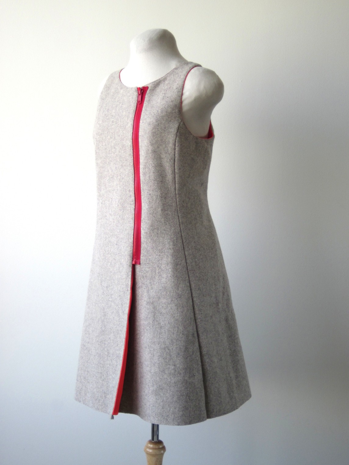 LKitkat Dress, 2013  (exterior view)
